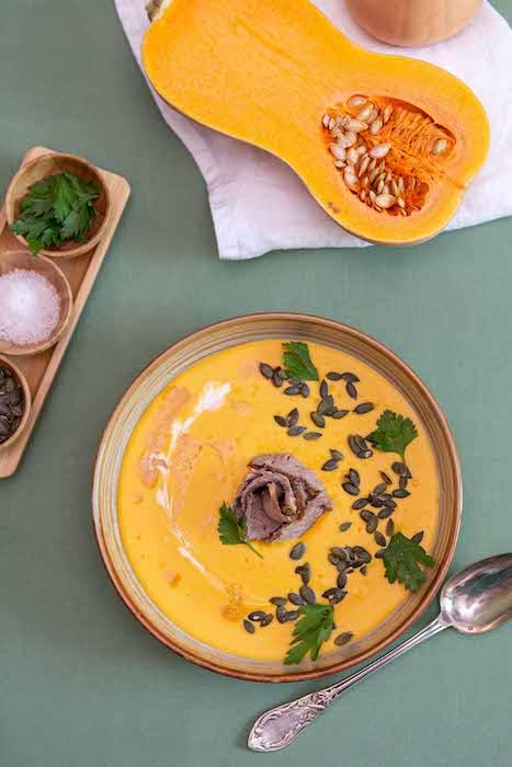 recette de Crème de butternut et coco au gigot