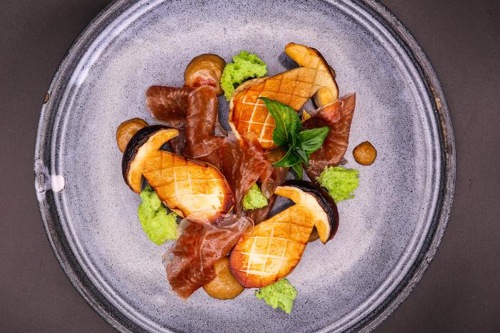 Cèpes rôtis et copeaux de jambon