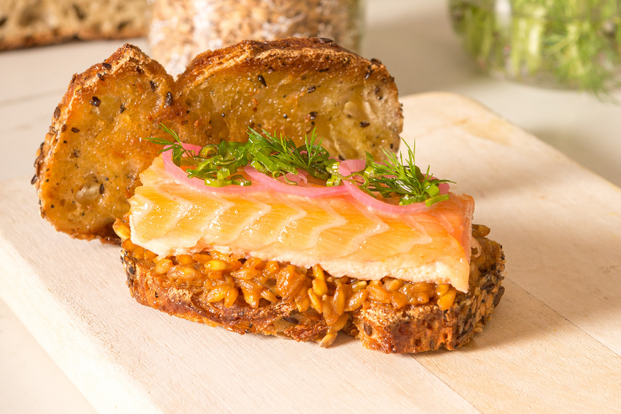 Sandwichs de saumon à l'unilatéral