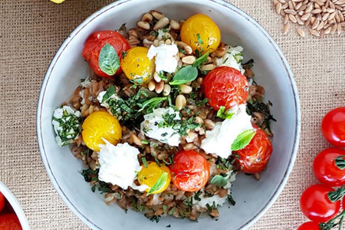 Salade de farro aux tomates confites