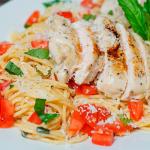 Poulet et spaghetti façon bruschetta