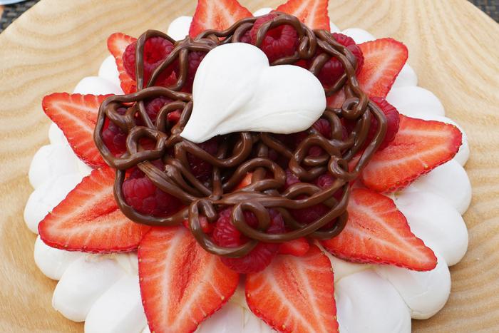 Pavlova aux fruits rouges et au Nutella