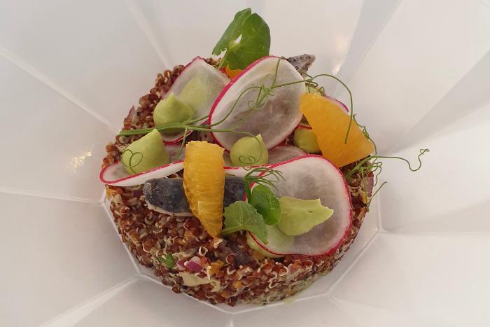 Quinoa rouge et condiments acidulés