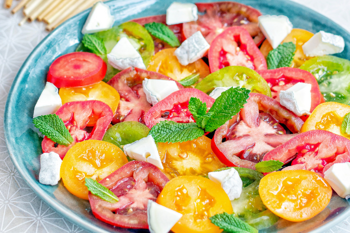 Carpaccio de tomates au Sainte-Maure