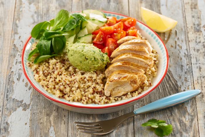 Superbowl au quinoa gourmand et poulet