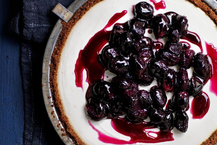 Tarte au yaourt et compotée de raisin
