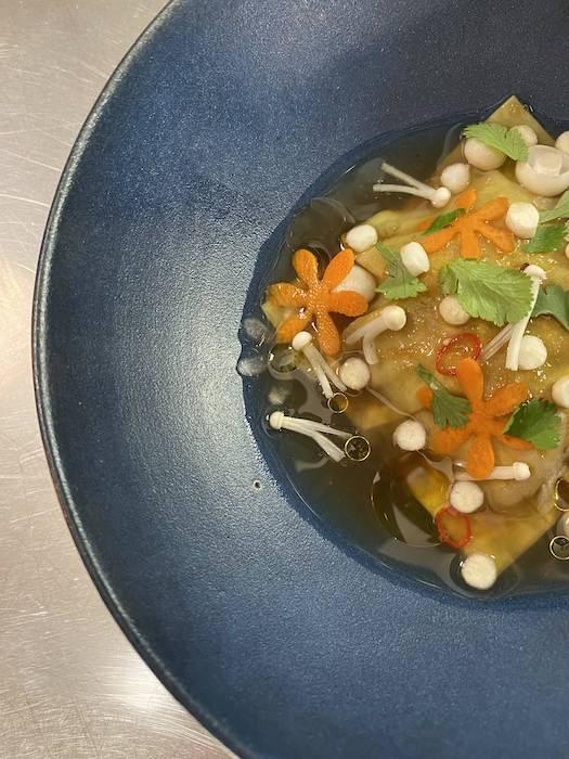 recette de Ravioles de confit de canard au bouillon
