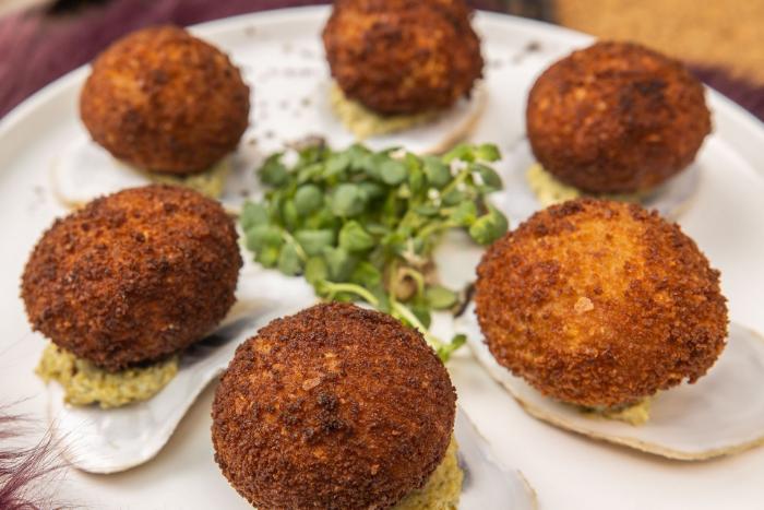 Cromesquis d'huîtres au beurre de truffes