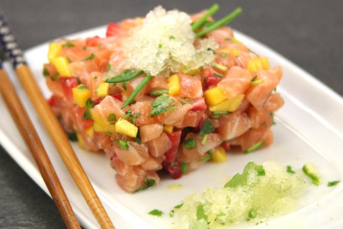 Tartare de saumon et granité de yuzu