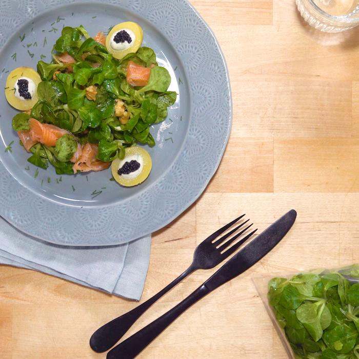 recette de Salade de mâche au saumon fumé