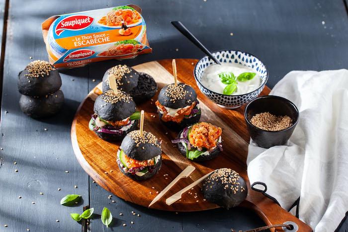 recette de Mini burgers noirs au thon