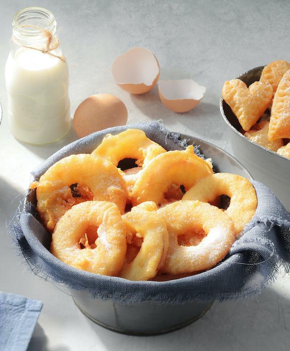 la recette des beignets de pommes de Mardi Gras