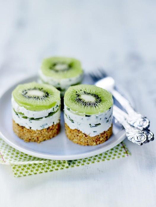 recette de Petits cheesecakes salés aux kiwis