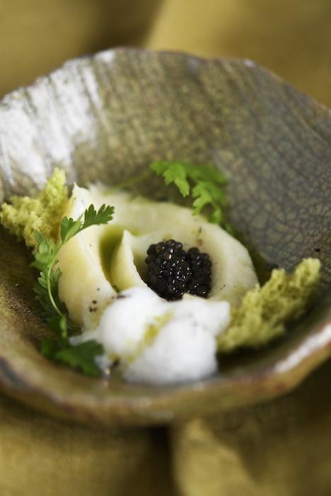 recette de Mousseline de cerfeuil tubéreux au caviar