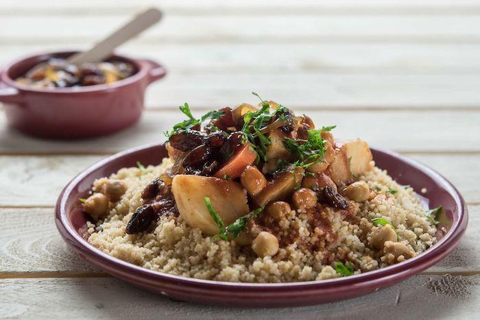 recette de Couscous aux oignons et raisins confits