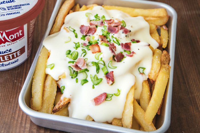 Loaded-fries sauce Raclette