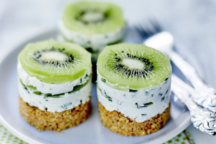 Petits cheesecakes salés aux kiwis