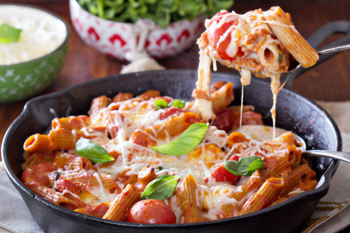 Rigatoni aux tomates et ricotta