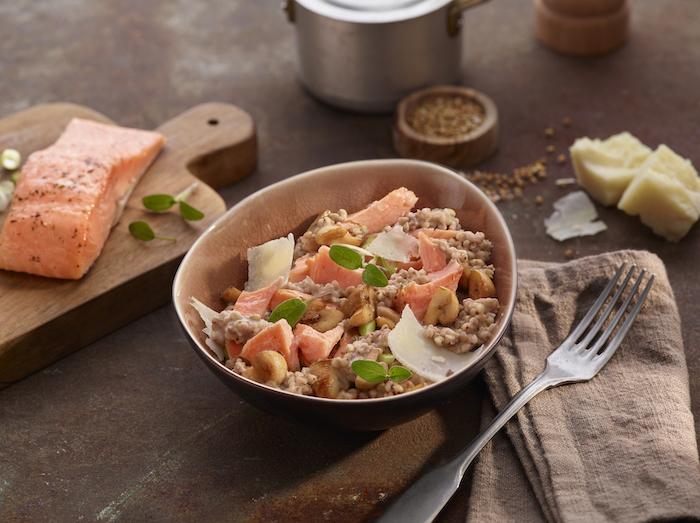 Risotto de sarrasin au saumon et légumes