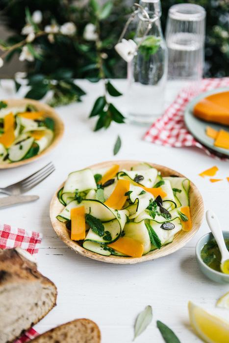 recette de Salade de courgettes marinées à la mimolette