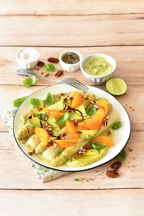 recette de Salade d'asperges à l'avocat et aux oranges