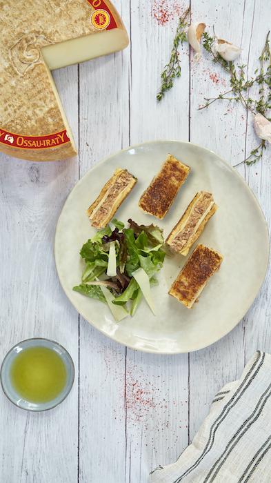 recette de Croque à l'Ossau-Iraty et échine de porc