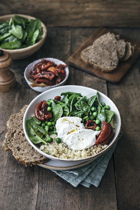Veggie bowl aux pousses d'épinards