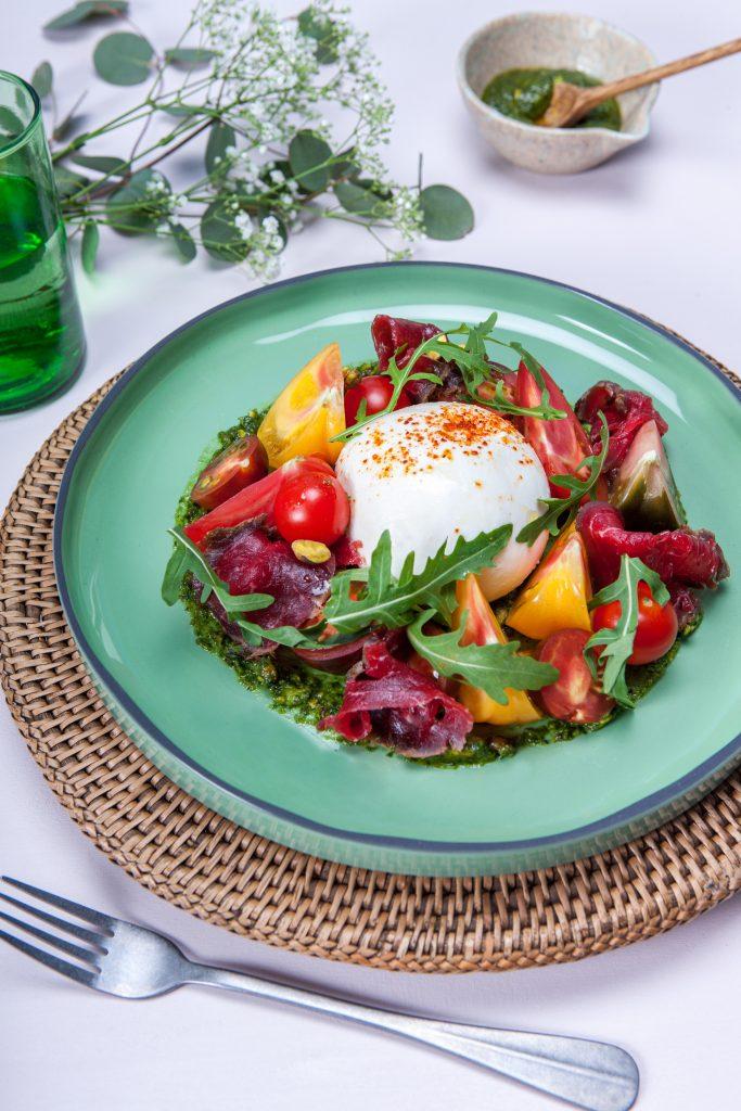 recette de Gravlax de boeuf aux tomates et burrata
