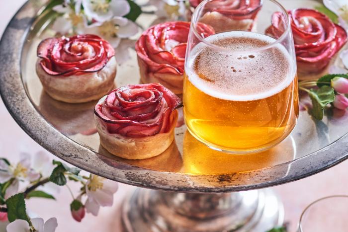 Roses de pommes à l'eau de rose