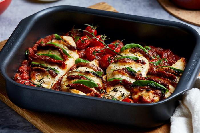 Hasselback de poulet aux tomates et à la mozzarella