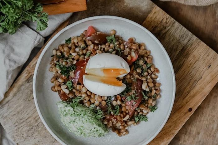 Salade de lentilles à l'oeuf mollet