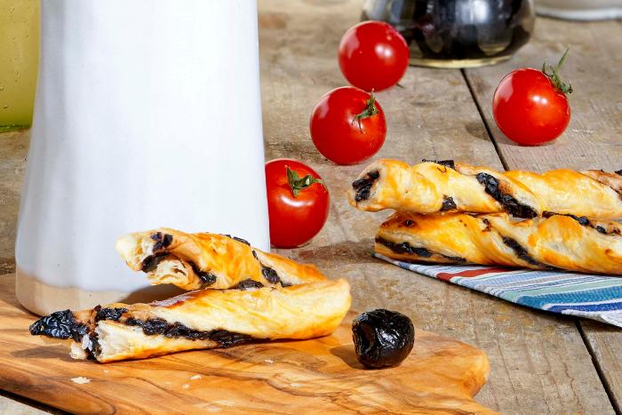 Torsades feuilletées aux olives noires
