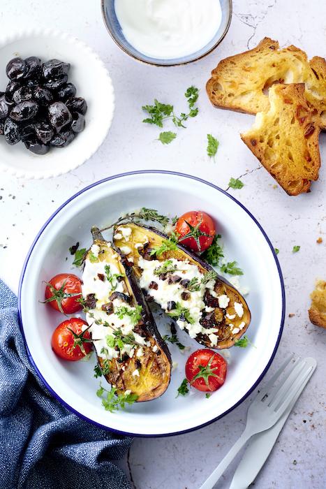 recette d'Aubergines rôties aux olives et feta