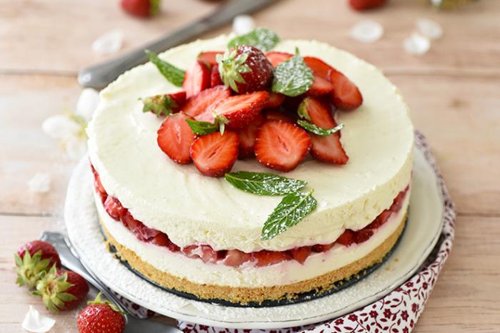 Cheesecake aux fraises et à la noix de coco