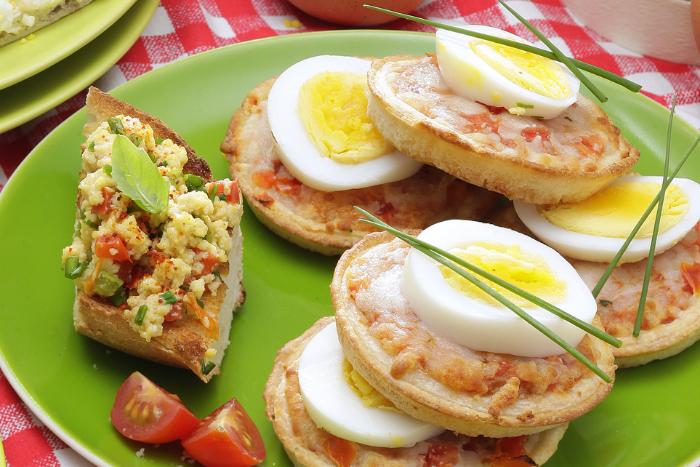 Mini-pizzas aux œufs