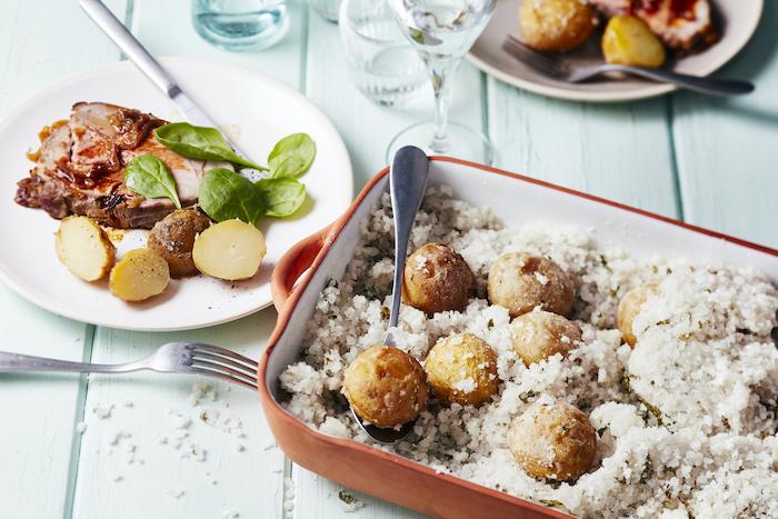 Pommes de terre en croûte de sel, régal assuré