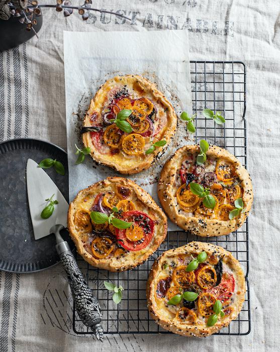 Mini tartes rustiques à la mozzarella