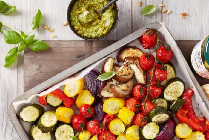 Légumes rôtis et pistou de cornichons