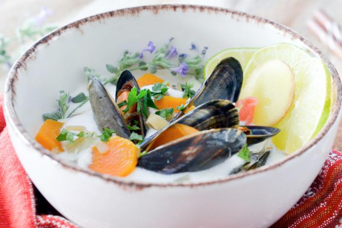 Moules au bouillon coco et citronnelle