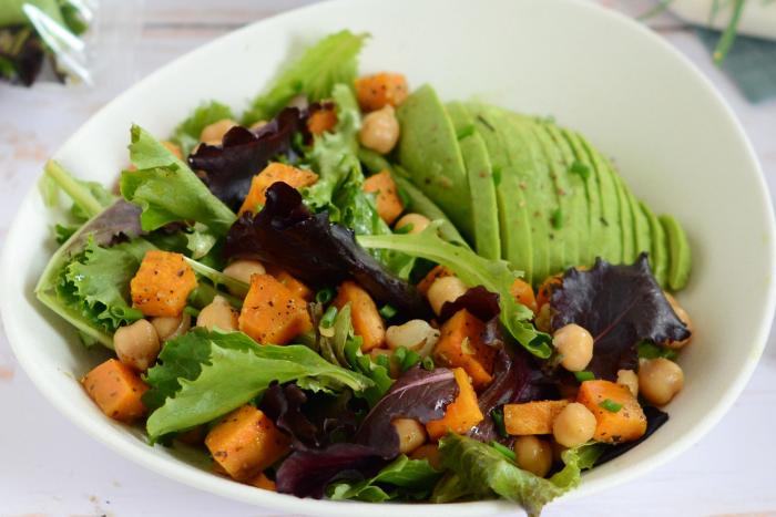 Salade de pousses à la patate douce