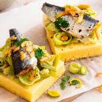 Tarte polenta aux poireaux et sardines