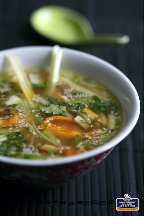 recette de Soupe thaï de moules à la citronnelle