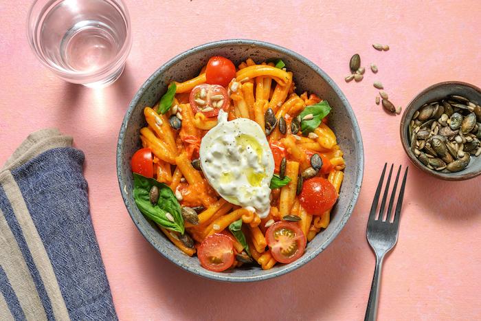 recette de Casarecce à la burrata et à la crème de tomates