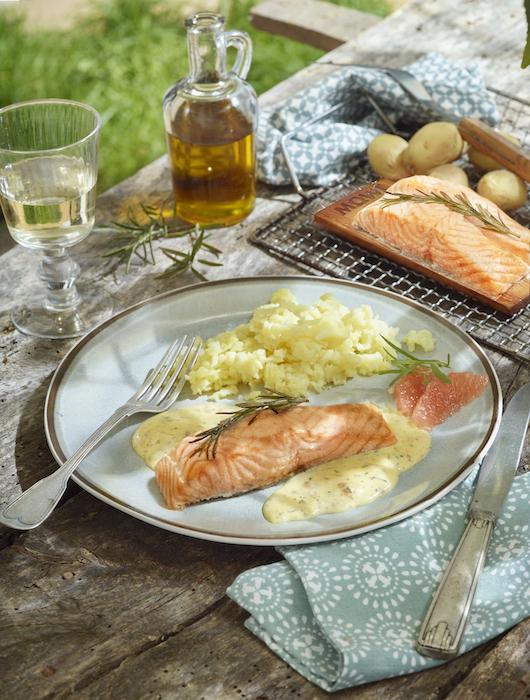 recette de Saumon romarin et béarnaise au pomélo