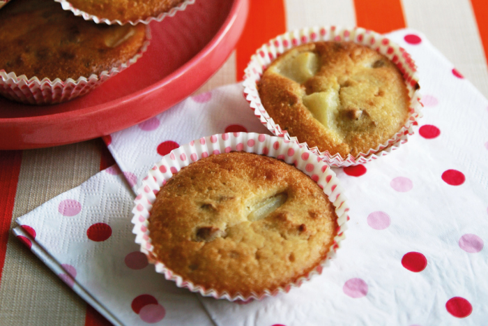 Muffins aux poires et aux noix